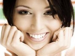 Blanqueamiento dental con luz LED y Limpieza bucal completa para una persona por 89 € en vez de 489. ¿Te gusta Sonreir?