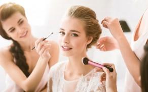 Pack de maquillaje y peluquería para novias con MakeUp & Hair Studio